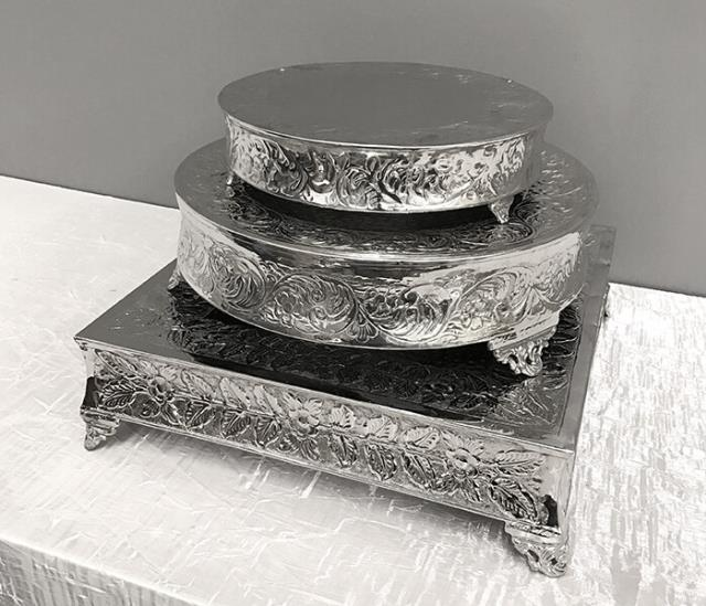 Where to find CAKE STAND 20  SQUARE SILVER in Denver